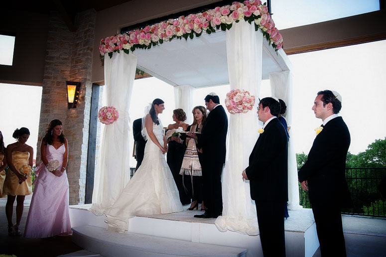 Jewish wedding ceremony traditions customs everything in between jewih wedding traditions junglespirit Gallery