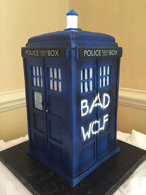 Dr Who Tardis Police Call Box Cake